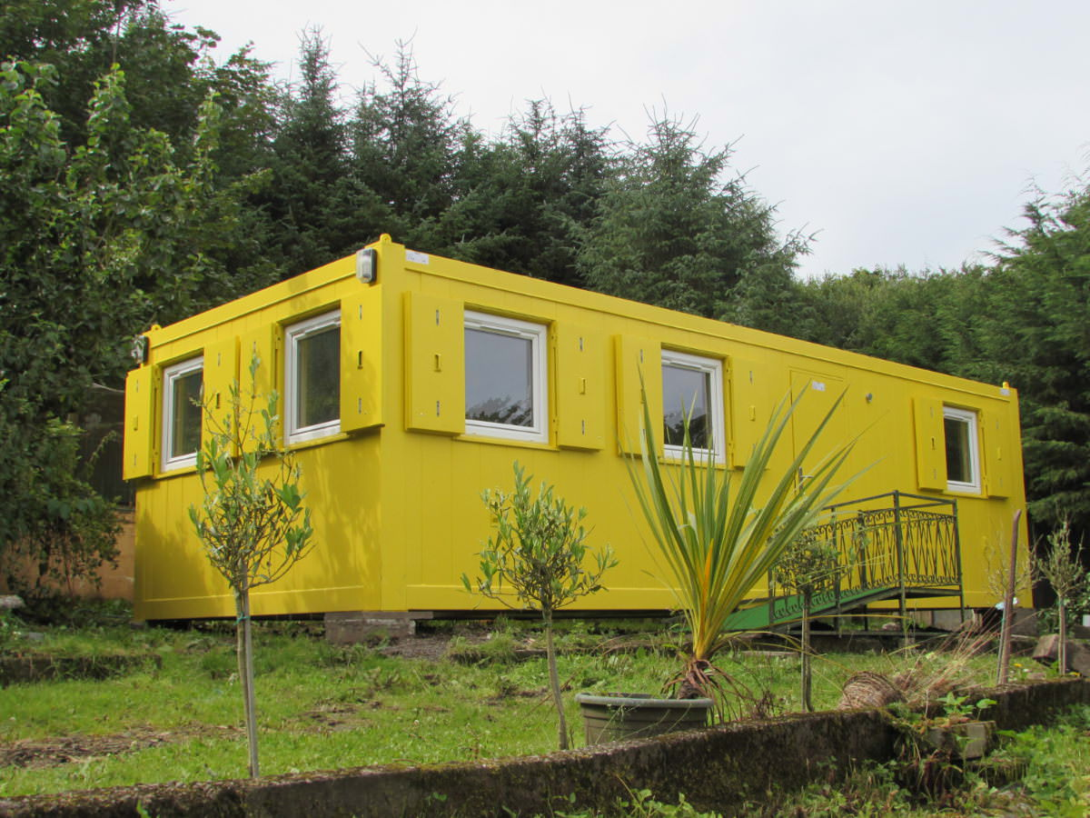 Yellow Container House - 'Miss Primrose'